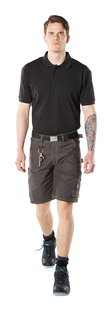 INDUSTRY Arbeitsshorts & Polo-Shirt - Model